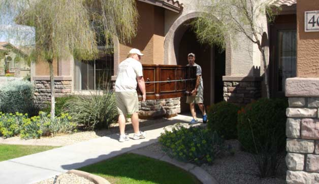 Phoenix movers moving furniture from customers home