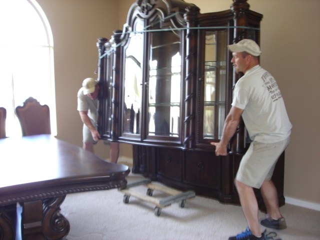 Movers in Scottsdale residence moving furniture